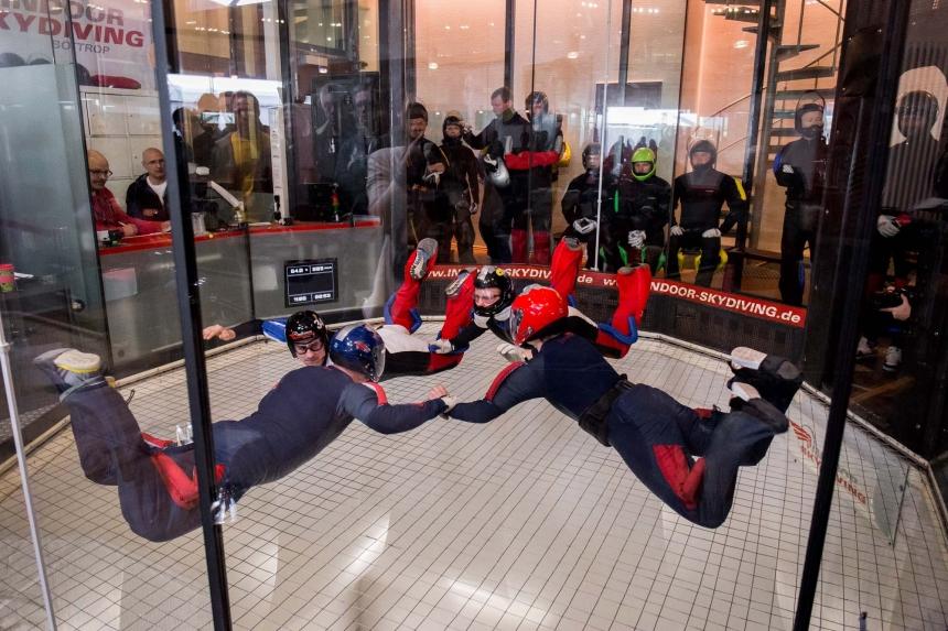 Katjas Blick auf die Erste Deutsche Indoor Skydiving Meisterschaft